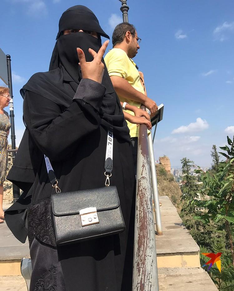 В Батуми чуть оживленнее — там турки, иранцы