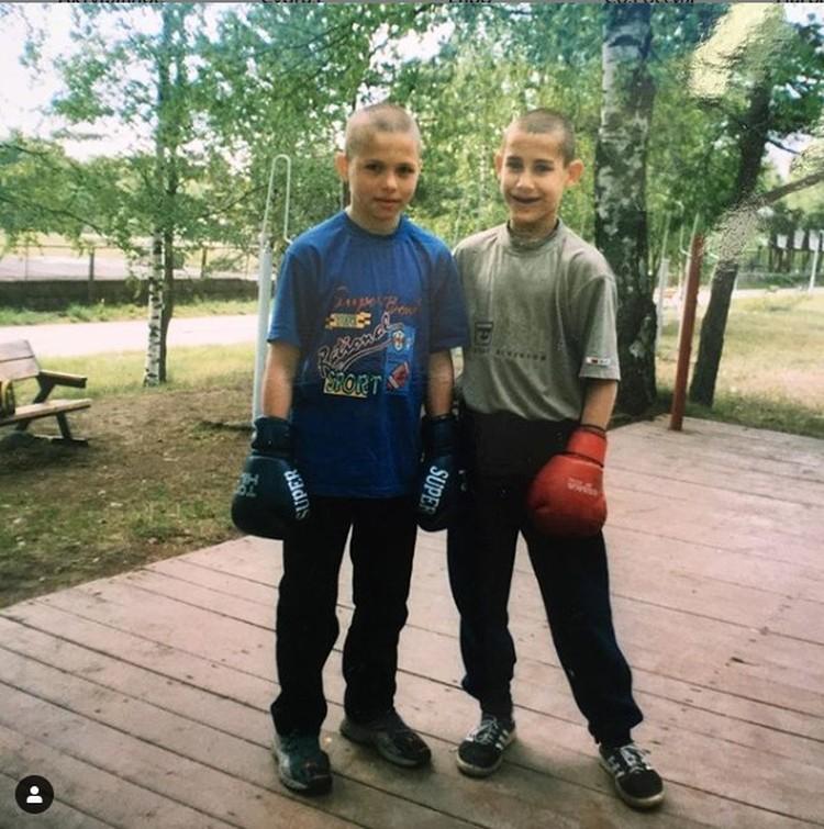 Максим (справа) занимался боксом с 10 лет. С Алексеем Мазуром они были друзьями детства Фото: Алексей МАЗУР
