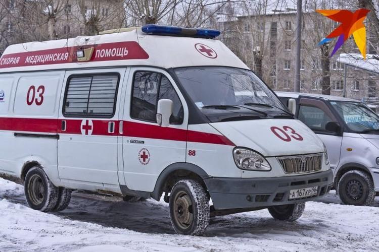 В марте женщину с выпадением матки привезли в больницу на «скорой». Олег Баскаков оказывал ей помощь.