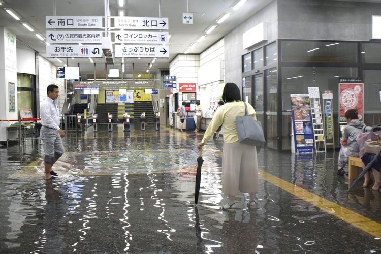 Затоплены три префектуры
