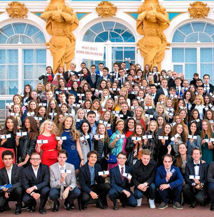 Выпускники вуза не испытывают проблем с поиском работы. Фото: СПбГУП.