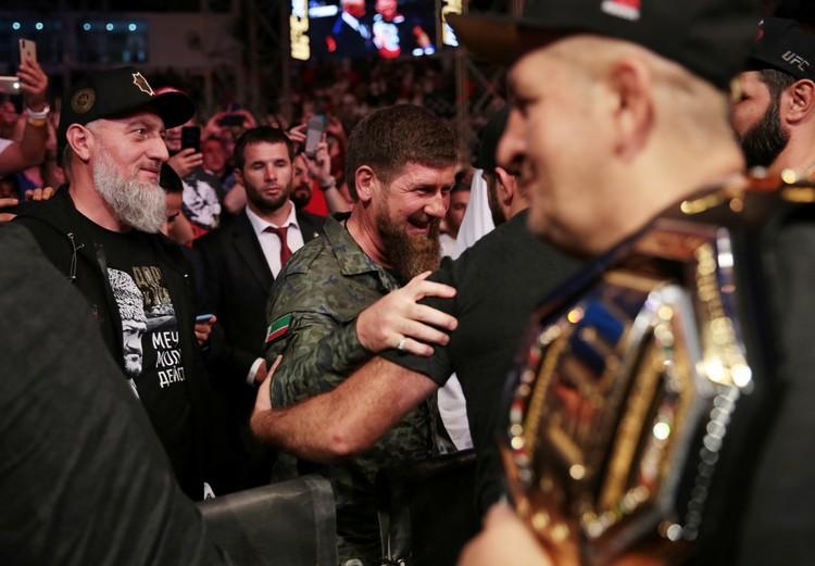 С победой земляка поздравил Рамзан Кадыров.