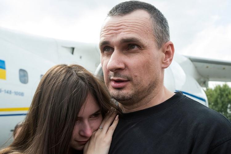 Освобождение знаковых фигур - Сенцова (на фото), Вышинского и Цомаха является своего рода отведением тяжелого вооружения от линии фронта