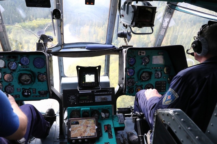 на борту - спасатели и медики. Фото: МЧС Хакасии