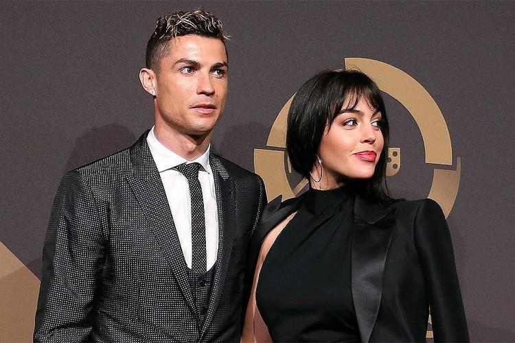 Последние несколько лет Криштиану живет гражданским браком с моделью Джорджиной Родригес