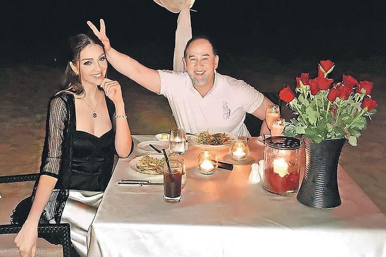 Родне Мухаммада не понравилось, что Оксана опубликовала в соцсетях неформальные снимки с мужем. Фото: instagram.com/rihanapetra