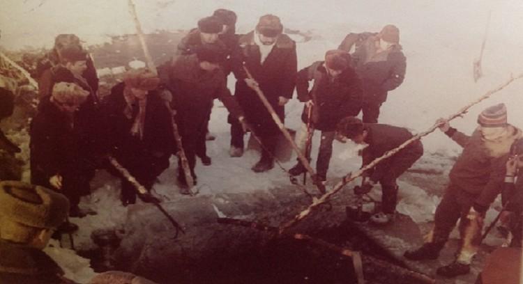 Трупы пришлось доставать из озера зимой. Фото: Государственный архив Свердловской области
