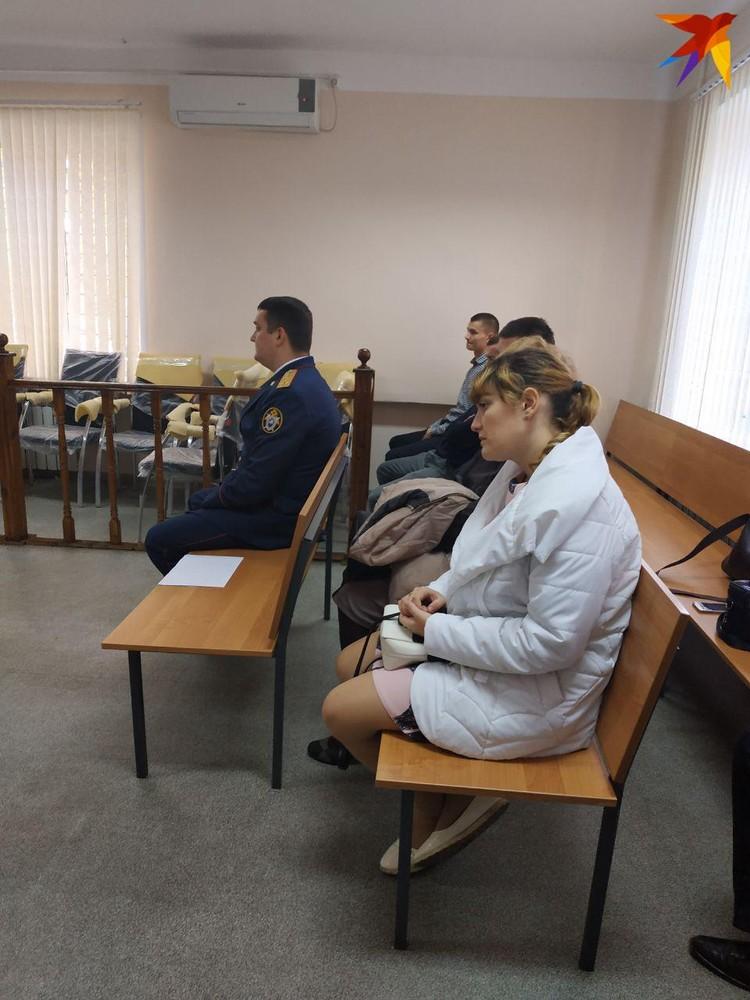 Жена Юрия Граблина с трудом сдерживала слезы