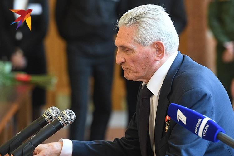 Дважды Герой Советского Союза летчик-космонавт Борис Волынов.