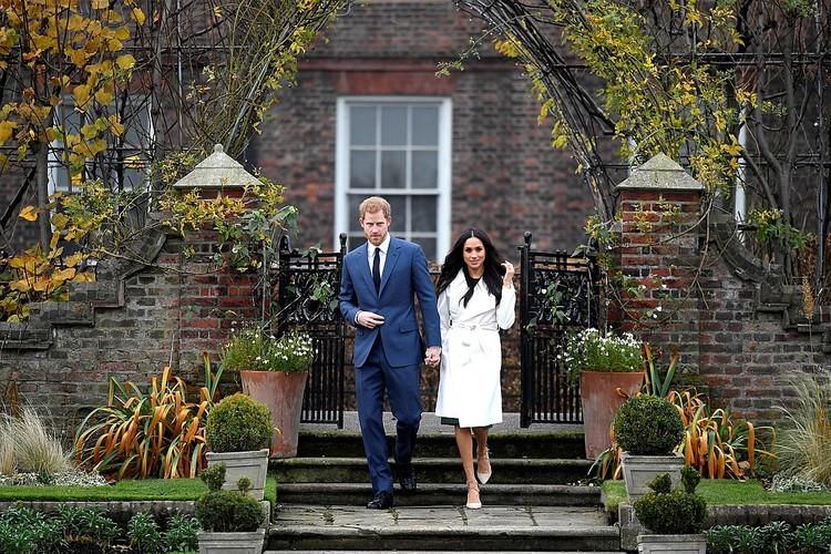 Меган Маркл, она же герцогиня Сассекская, не сходит с обложек британских СМИ, но радоваться такой популярности и такому вниманию не приходится