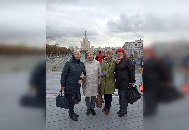 Сестры Людмила, Нина, Елена, Юлианна. Фото из семейного архива
