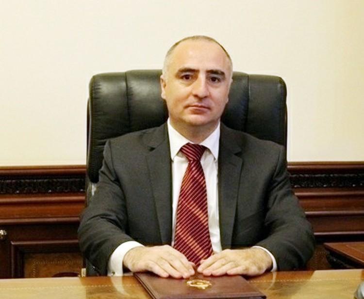 Глава Специальной следственной службы страны Сасун Хачатрян, являющийся братом главы Фонда «Открытое общество – Армения»