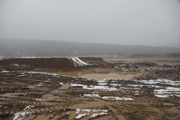 Поток воды, грязи и камней снес два общежития Фото: Вадим КОФМАН