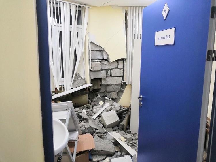 Медицинский блок разрушен. Фото прислали очевидцы