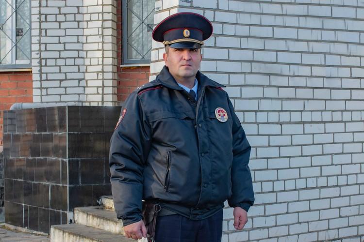 Народный участковый служит Заполярью верой и правдой уже 11 лет. Фото: УМВД России по Мурманской области.