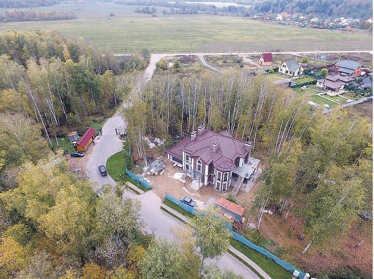 Двухэтажный особняк площадью 400 кв. м Дмитрий Шепелев купил, когда Жанна уже была больна