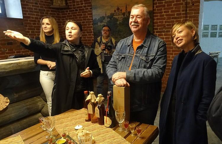 Суздальский ресторатор Игорь Кехтер знает толк в настойках и наливках.