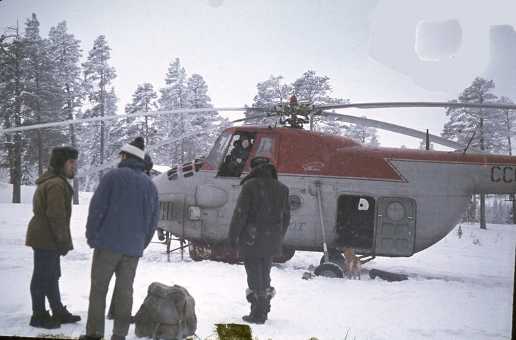 Вертолет на Пунче перед вылетом на плато в феврале 1973. Фото: из личного архива Владимира Борзенкова