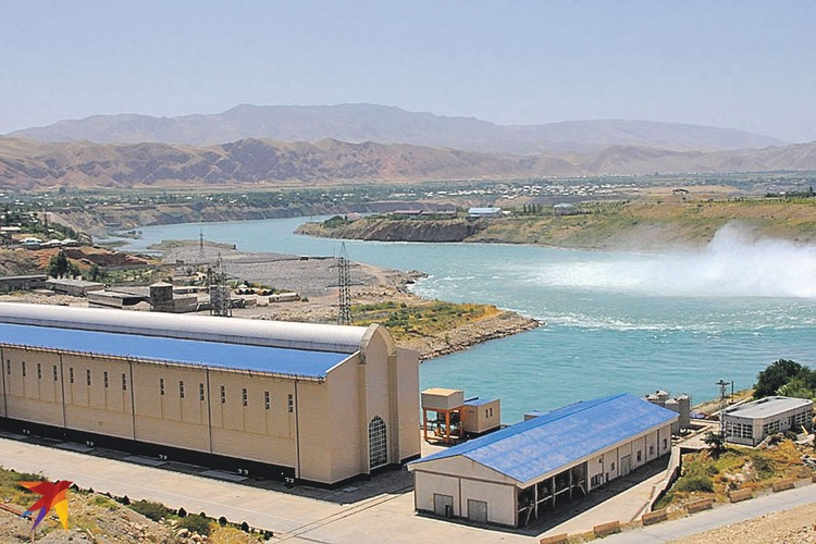 Одна из гидроэлектростанций Вахшского каскада ГЭС «Сангтуда-1» построена нашими специалистами и на 70 процентов принадлежит российским акционерам.