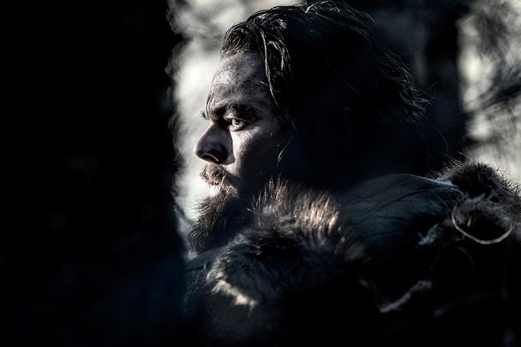 """Леонардо ДиКаприо в фильме """"Выживший"""", который принес ему долгожданного """"Оскара""""."""