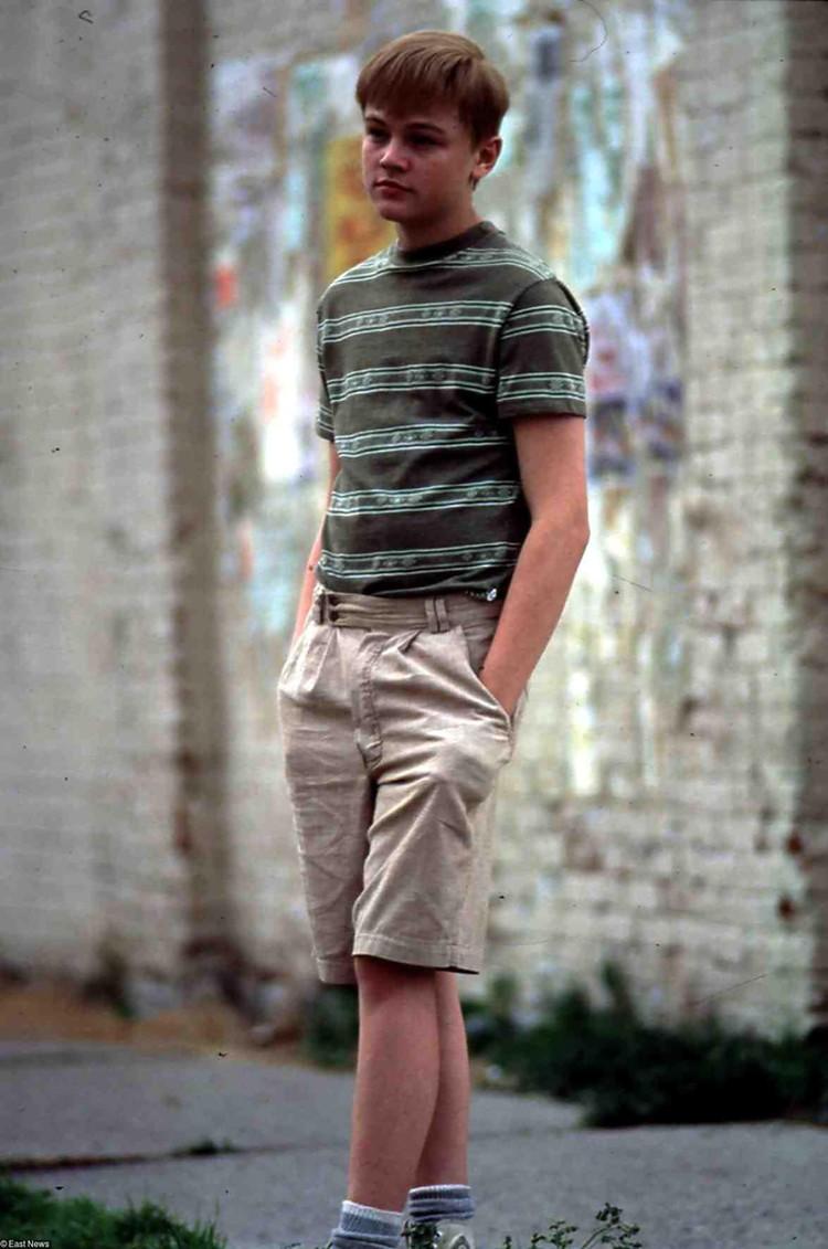 Леонардо ДиКаприо вырос в Голливуде. Но это был не тот Голливуд, который ассоциируется с роскошью и кинозвездами