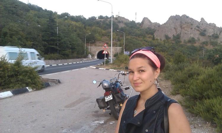Даша с бывшим женихом любила ездить на мотоцикле. Фото: личный архив