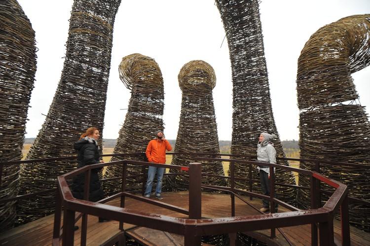 """Арт-парк Никола-Ленивец располагается на территории национального парка """"Угра""""."""
