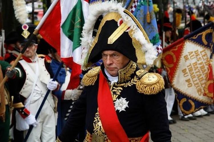 Знакомые рассказывают, что помешанный на Наполеоне Соколов требовал называть себя «сир»