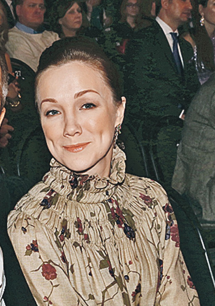 Первая жена Богомолова, актриса Дарья Мороз, была его музой восемь лет.