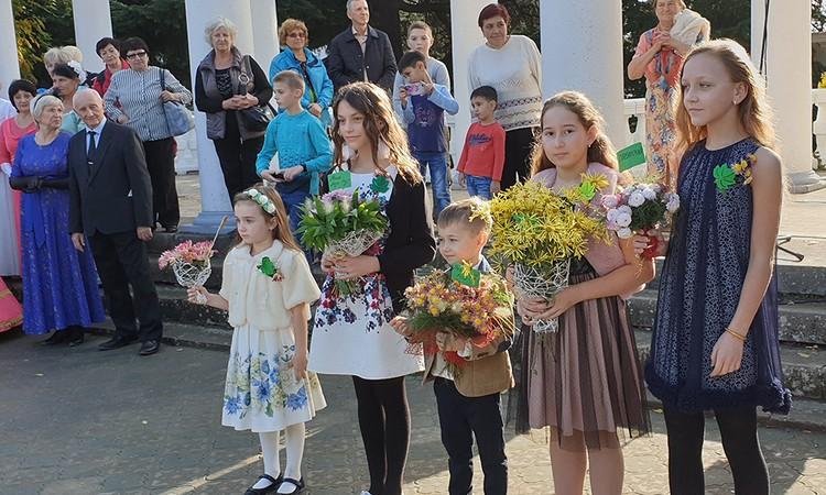 На диадему претендовало пять сортов хризантем. Фото: пресс-служба НБС-ННЦ
