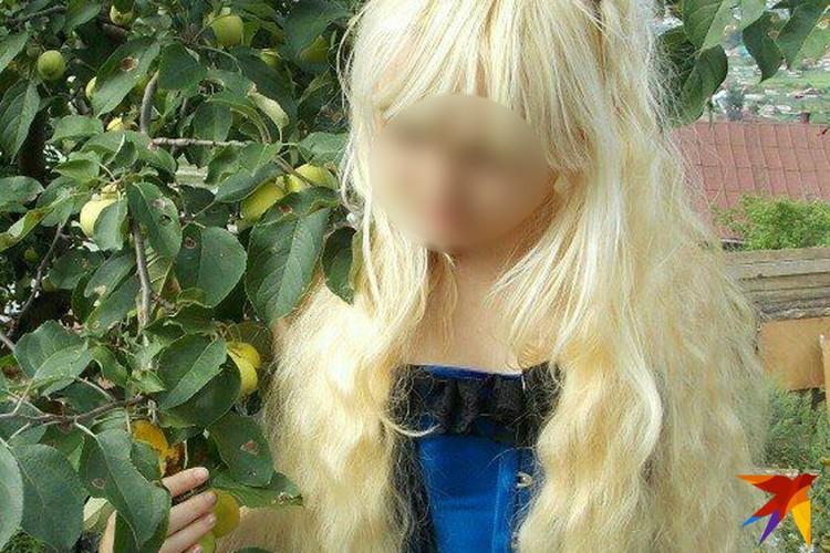 Цветом волос Дарина подражала матери.