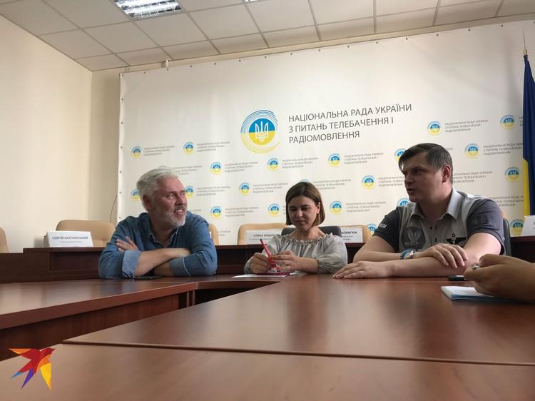 На встрече с участниками Школы член Нацсовета по вопросам телевидения и радио Украины Сергей Костинский пытался «открыть» нам глаза на «крымский вопрос».