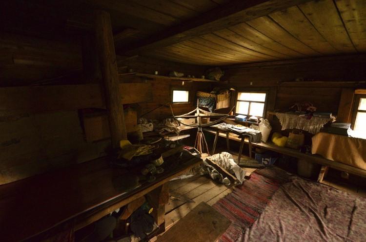Так изнутри выглядит изба Агафьи Лыковой. Фото: Данил Барашков.
