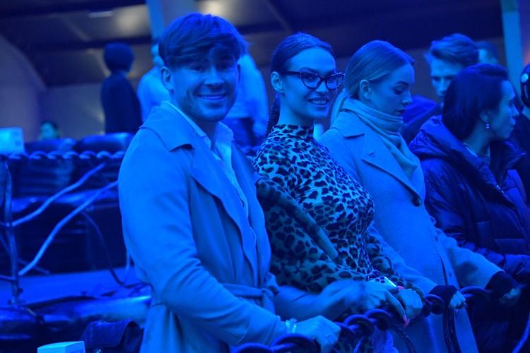 Подруги Бузовой Алена Водонаева и Настя Крайнова наблюдали за шоу в вип-ложе.