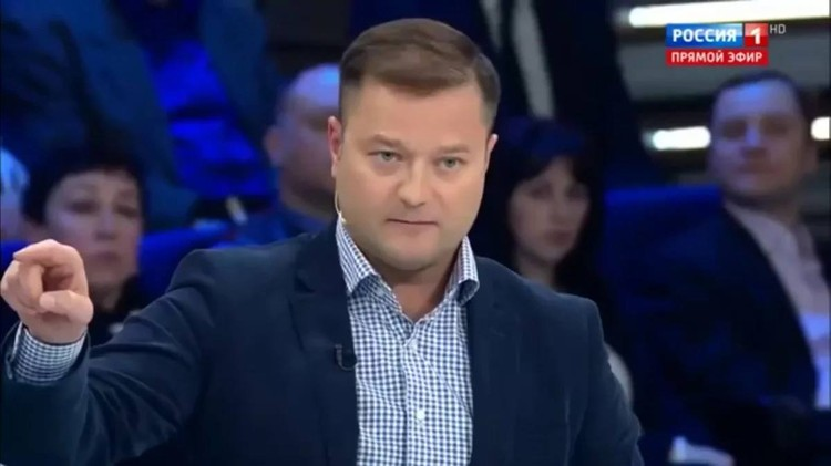 Политик в эфире очередного ток-шоу на телеканале Россия.
