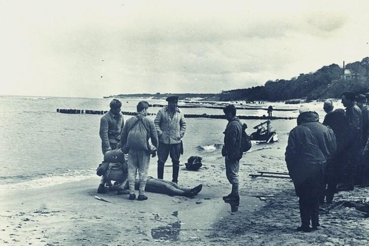 Юрий Никулин не расставался с военной формой даже вне съемочной площадки.