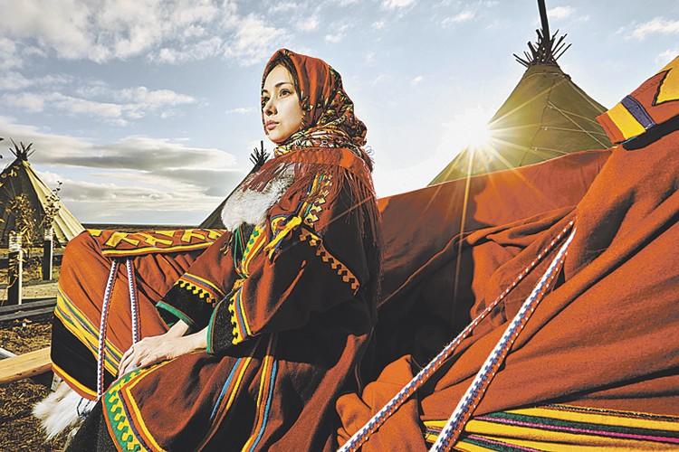 1-е место в номинации «Лица и поколения» - кадр «Ненецкая красавица». Марина Лонгортова. Салехард.