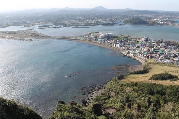 Вулканический остров Чеджу - самый любимый местный курорт