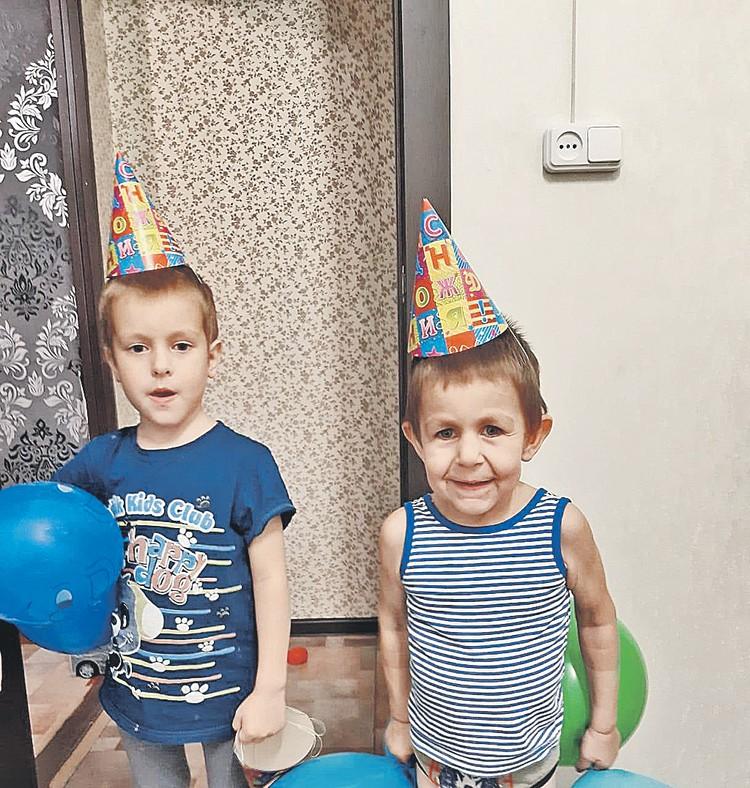 Один из сыновей, 4-летний Миша, унаследовал генетическое заболевание мамы. Фото: Личный архив