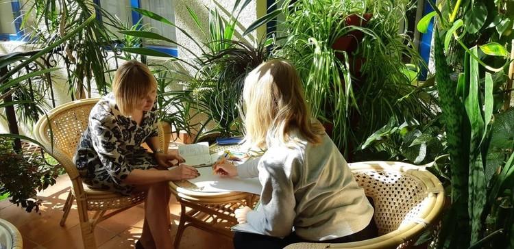 В кризисном центре пострадавшие от семейного насилия москвички вместе с детьми могут получить надежное убежище. Фото - Департамент труда и социальной защиты населения Москвы.