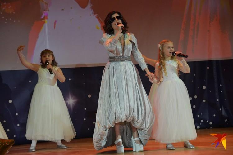всеобщей радости зрителей выступила Диана Гурцкая.