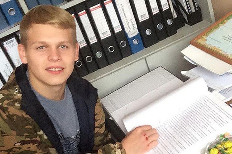 Дима вернулся из армии и сразу попал на скамью подсудимых