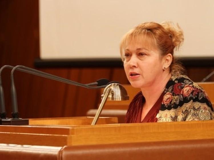 Светлана Савченко на заседаниях крымского парламента в феврале-марте 2014 года. Фото: личный архив