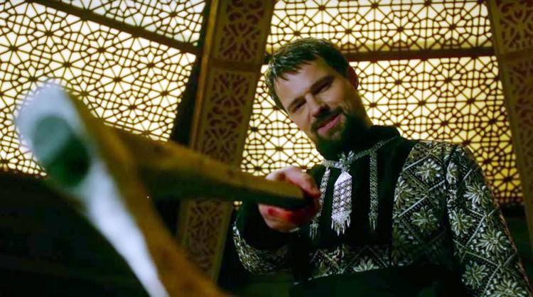 Данила Козловский сыграл Новгородского и Киевского князя Олега - именно его мы знаем под прозвищем Вещий