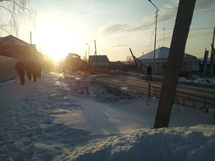 Дома по соседству не пострадали. Фото: Богдан Курняков