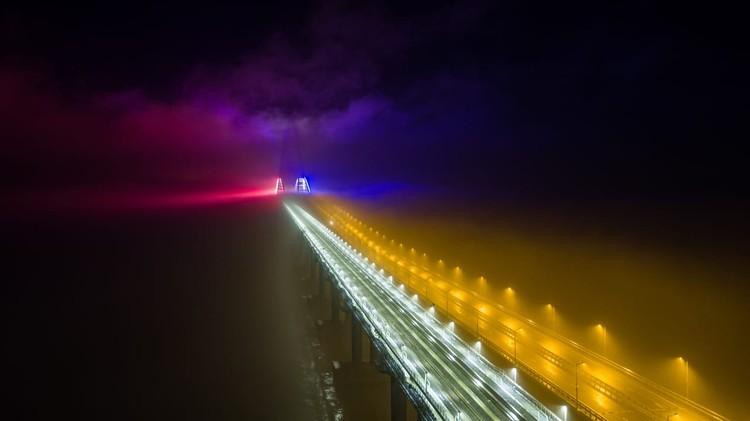 После открытия мост так сверкать будет каждую ночь. Фото: Крымский мост/VK