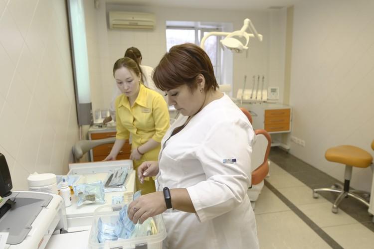 Кабинеты, оборудование, материалы и даже ассистентов участникам чемпионата предоставила клиника «Лада-Эстет»