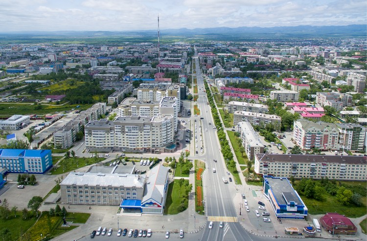 Вид на центр города Южно-Сахалинск. Фото: СЕРГЕЙ КРАСНОУХОВ/ТАСС