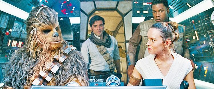 Декабрь 2019 года ознаменовался очень громкой премьерой - на экраны вышла очередная и последняя часть новой трилогии про звездные войны - «Скайуокер. Восход». Фото: кадр из фильма