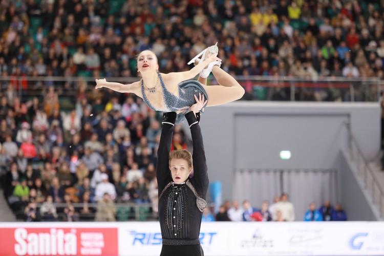 Выступают Александра Бойкова и Дмитрий Козловский.